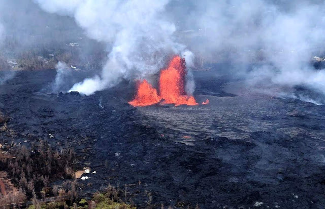 Fissure 8 reactivated on the afternoon of May 28, when, at times, lava