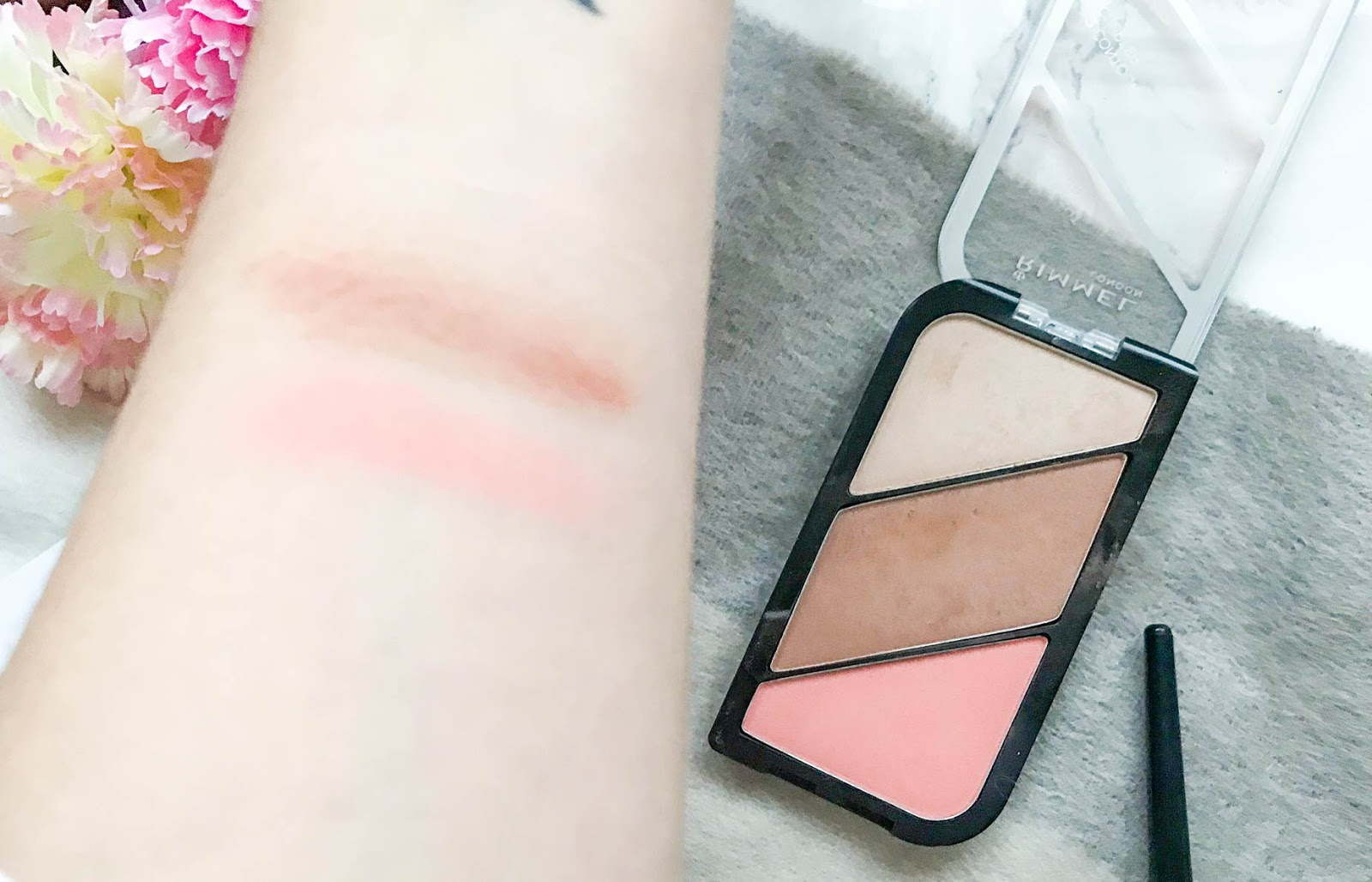 Rimmel Kate Moss Sculpting Palette in 002 Coral Glow