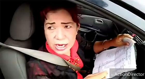 Ibu-Ibu Teriaki 'Polisi Jambret' Saat Ditilang