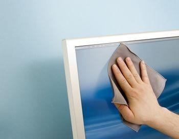 إزالة الخدوش من الشاشة LCD بسهولة