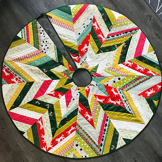 Star Burst Tree Skirt Free Tutorial designed by Evie of Evquilts