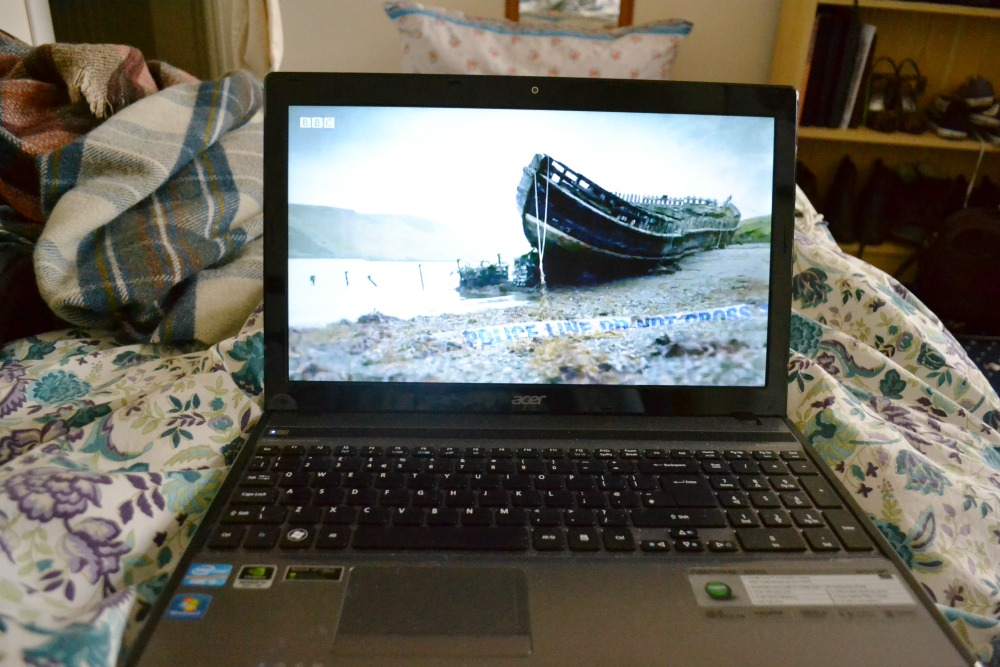 watching shetland catch up iplayer bbc laptop