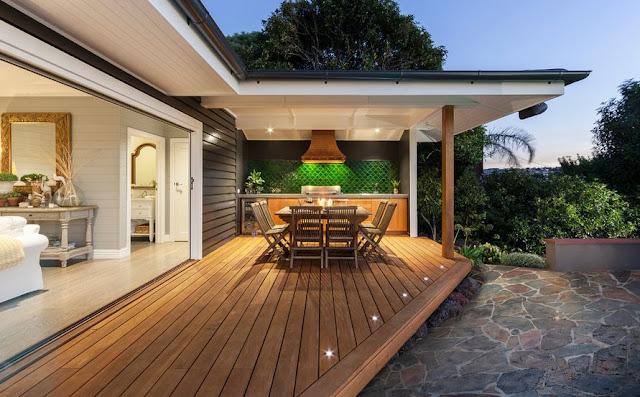 Trasformazione look giardino con l'arredamento per esterno in legno