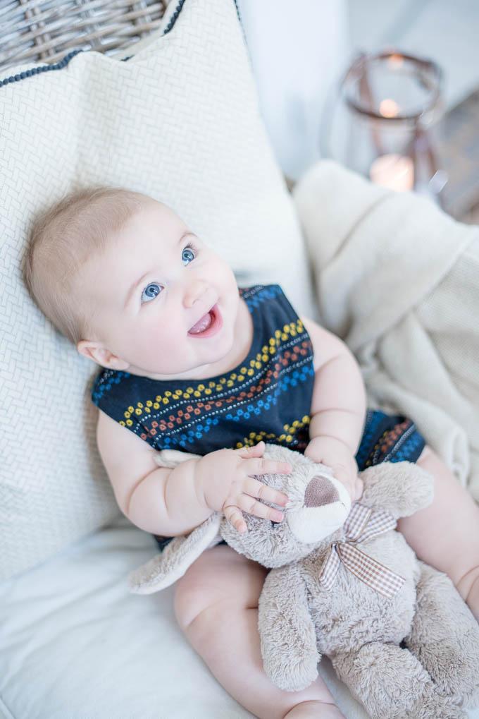 vauvakuvaus turku, edullinen lapsikuvaus, puolivuotiskuvaus, puolivuotisvalokuva