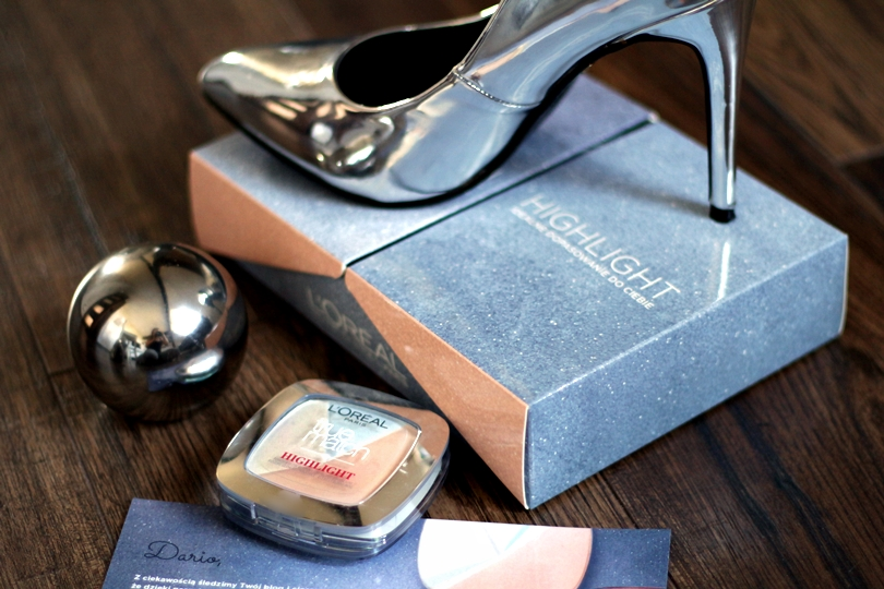 rozświetlacz, highlight true match, highlight, loreal, strobing, lustrzane, szpilki, srebrne, ekstraszpilki, fashion, makijaż rozświetlający, thebalm, mary lou,