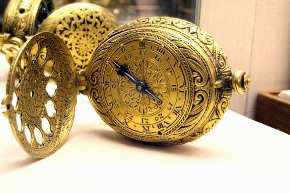 fcb6f35d338 Era um relógio mecânico todo de ferro