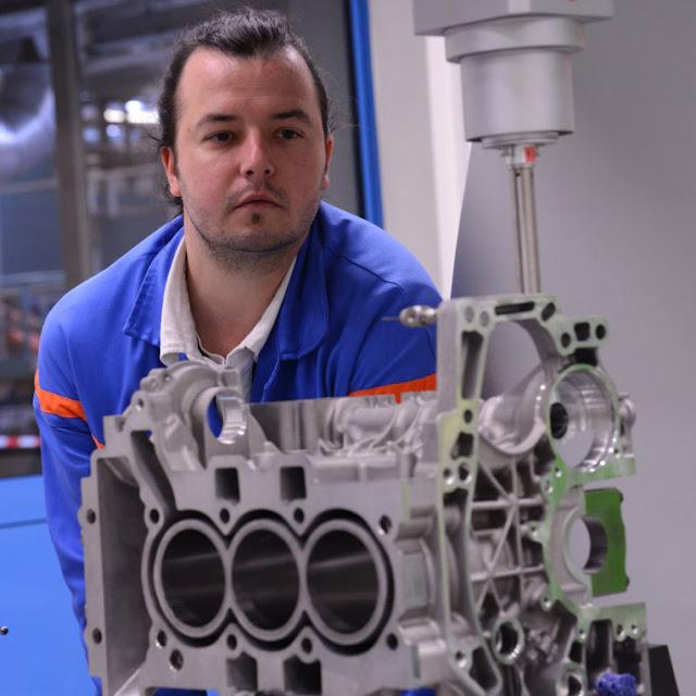 Française de Mécanique produces its 300,000th puretech turbo three-cylinder petrol engine