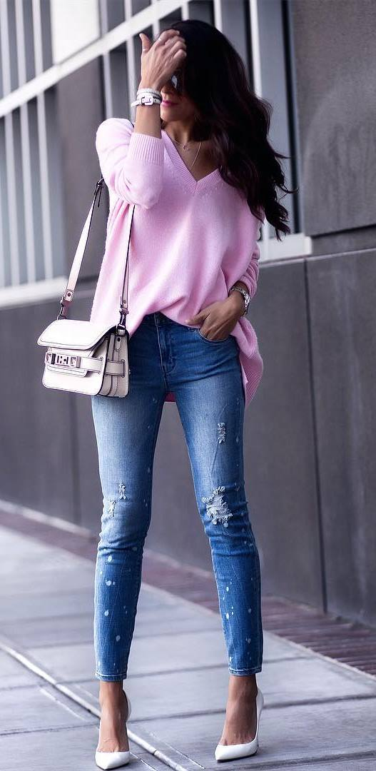 trendy outfit: knit + bag + ripped jeans + heels