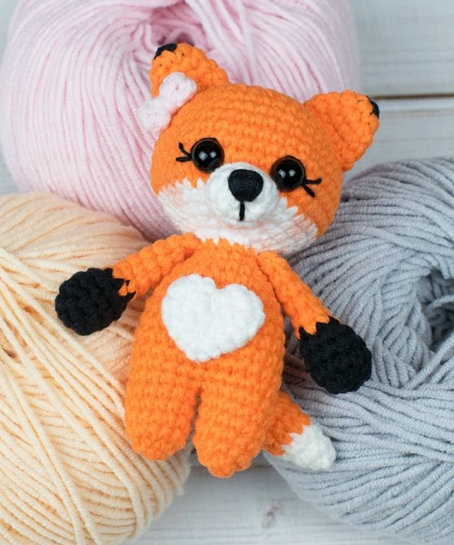 Tiny Fox Amigurumi - Free Pattern