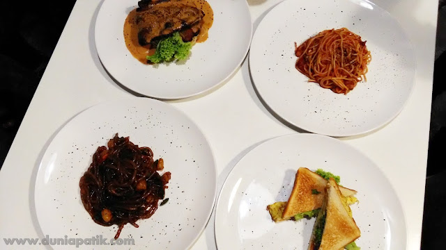 Humble Cafe Sandwich (RM3.00), Laksa Goreng (RM6.00), Spagetti Oglio Olio (RM5.00), Lamb Chop with Spegeti (RM20.00).