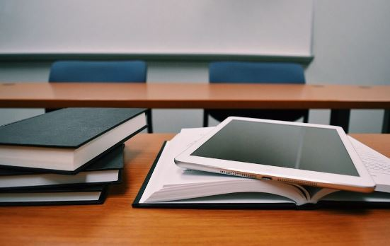 Tren dan Viral Teknologi di Sektor Pendidikan Tinggi