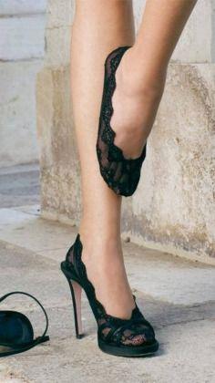 Sandálias com pezinhos uma ideia elegante para dias mais frios