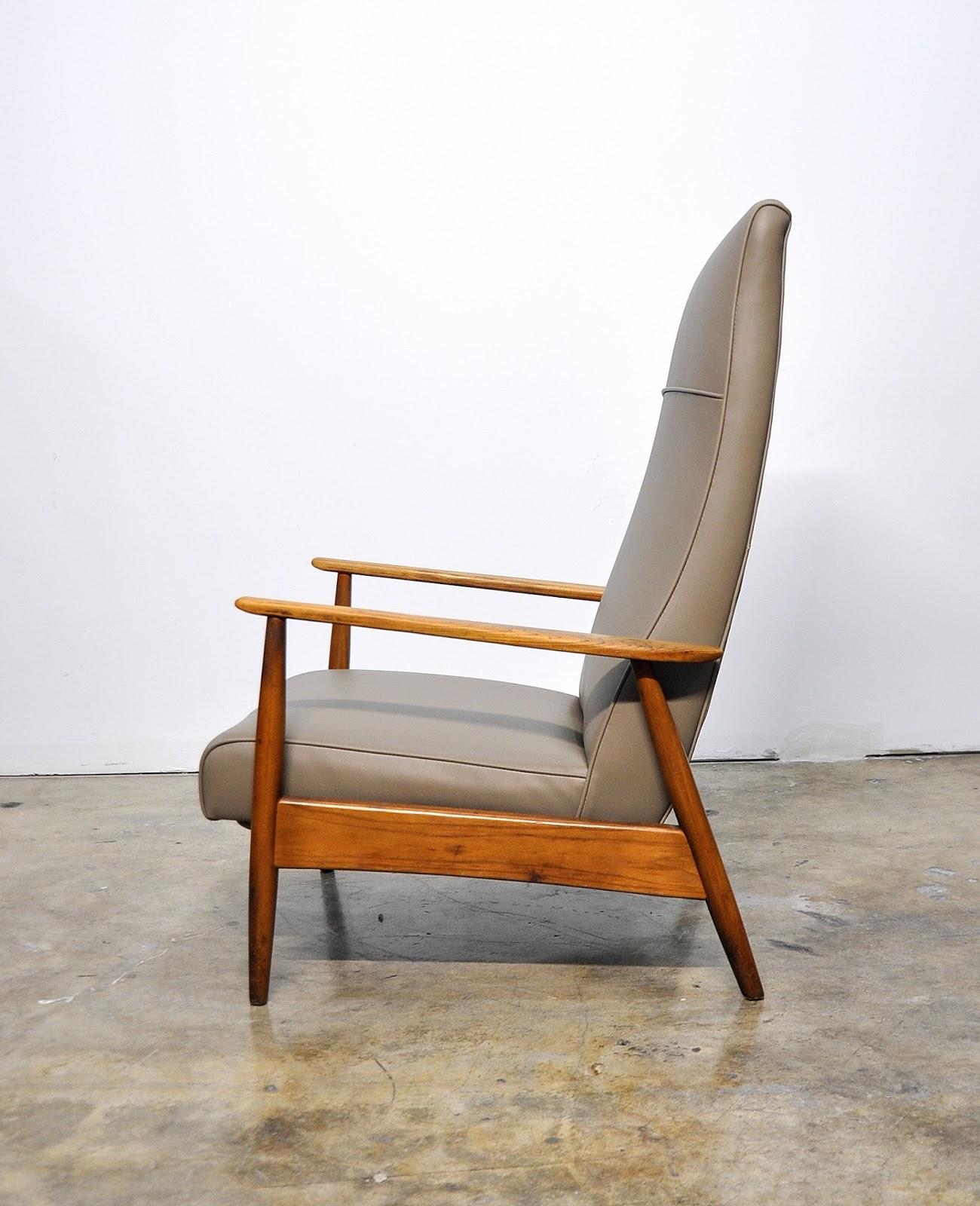 Select Modern Milo Baughman Recliner Lounge Chair
