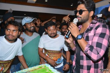 Allu-Arjun-Thanks-Fans-For-Birthday-Celebrations-2017