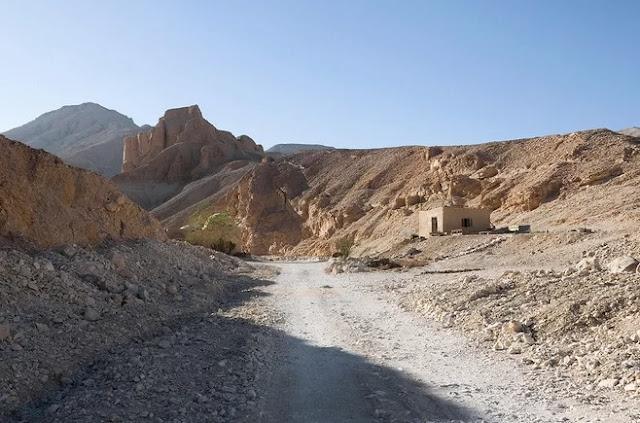 Searching for the tomb of Tutankhamun's wife Ankhesenamun