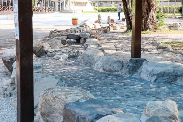 台鹽通霄觀光園區鹽來館、海洋溫泉區泡腳玩水,順遊白沙屯拱天宮