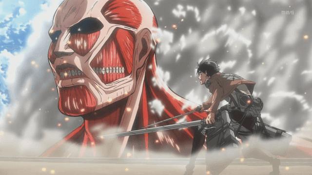 Eren mencoba melawan titan kolosal yang ingin menerobos dinding