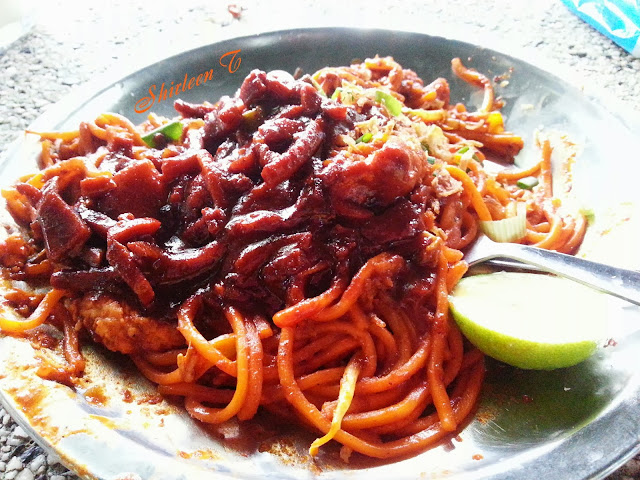 Hameed Pata Mee Goreng Sotong Esplande Food Court