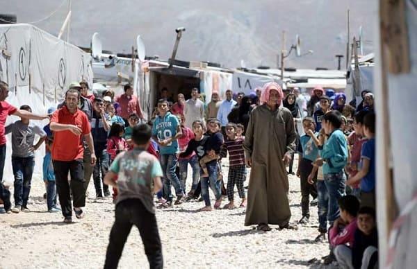لبنان يعتزم نقل اللاجئين السوريين إلى مراكز خاصة تمهيدا لنقلهم إلى سوريا