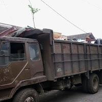 Sewa truk fuso di Medan.