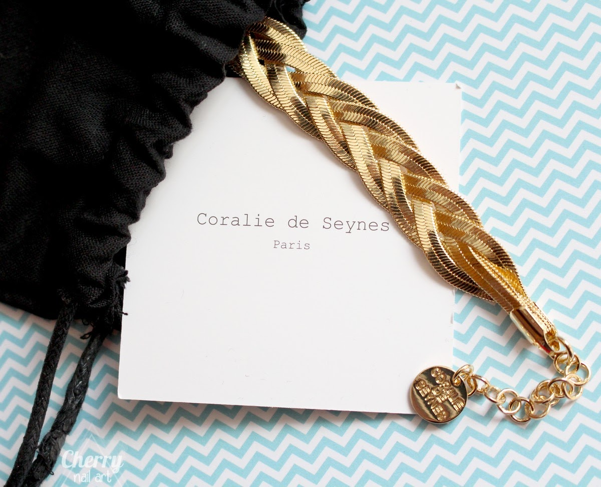 Box-Emma-Chloé-avril-2017-Coralie-de-seynes