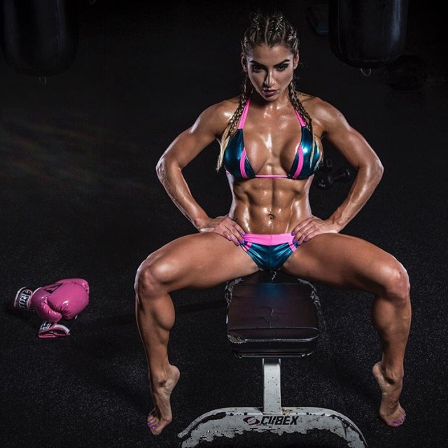 Vanessa Mejia, a successful fitness model