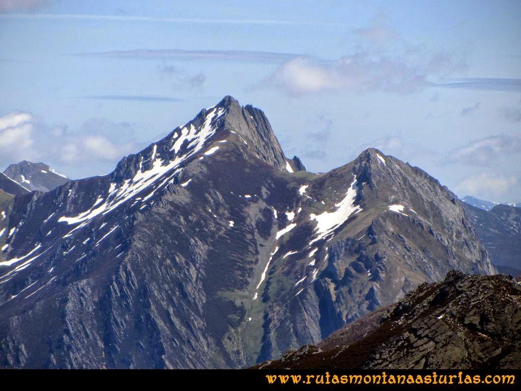 Ruta Peña Redonda: Vista del Torres