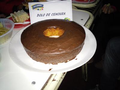 RECEITA COMO FAZER UM DELICIOSO BOLO DE CENOURA COM COBERTURA DE CHOCOLATE