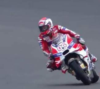Andrea-Dovizioso-Pole-position-MotoGp-Malaysia2016