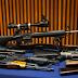 クイーンズに住む男の自宅から70丁以上の銃を押収、60歳男を逮捕 ベイサイド