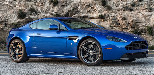 Aston Martin 2017 Vantage GTS  Design