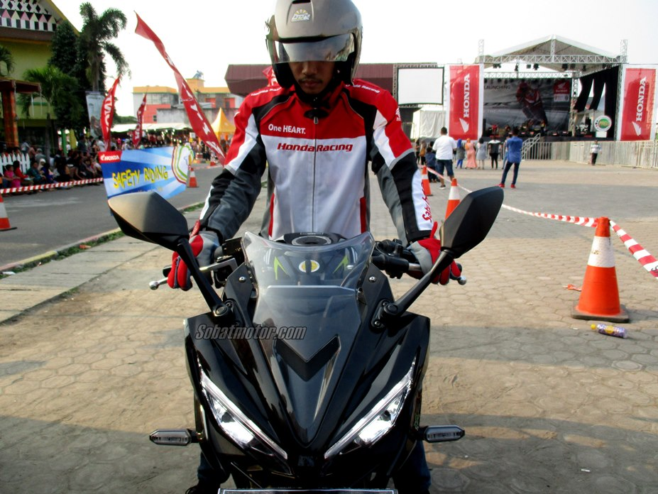 Test ride : Riding position All New Honda CBR 150R Facelift 2016 lebih racy plus handling lebih oke !