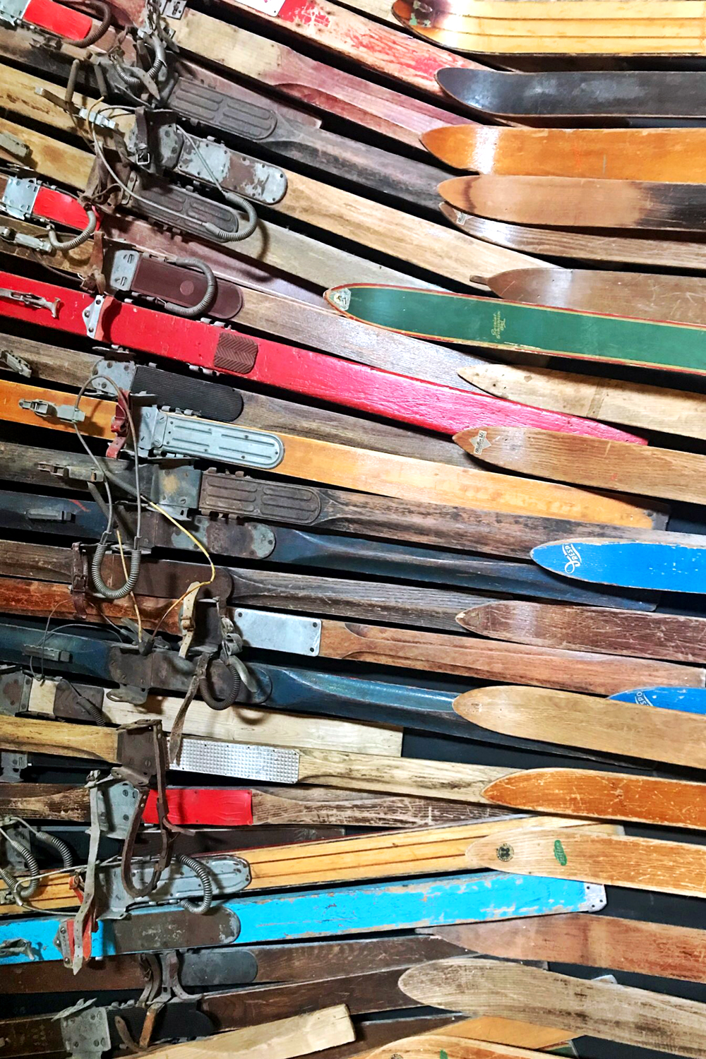Vintage wooden skis in Val Thorens, France - travel & lifestyle blog