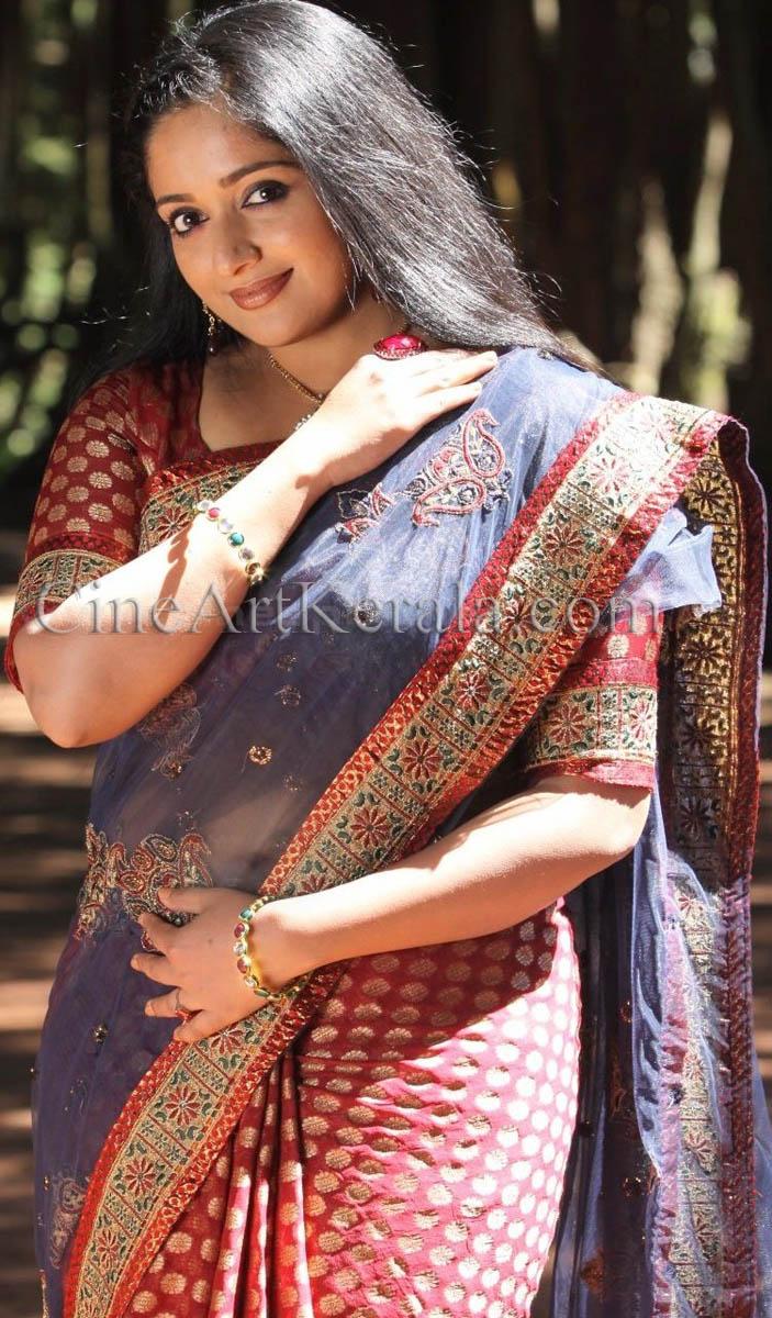 Kavya Madhavan Navel