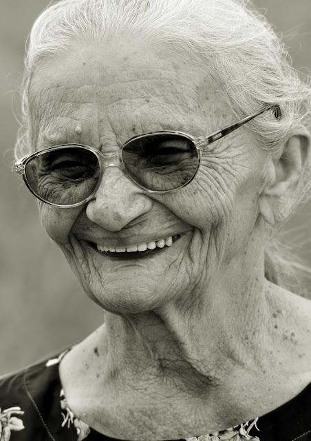 Nascida no dia 13 de fevereiro de 1925, no município de Sapé, Paraíba, Elizabeth Teixeira constrói sua trajetória em meio a lutas por justiça, terra e liberdade