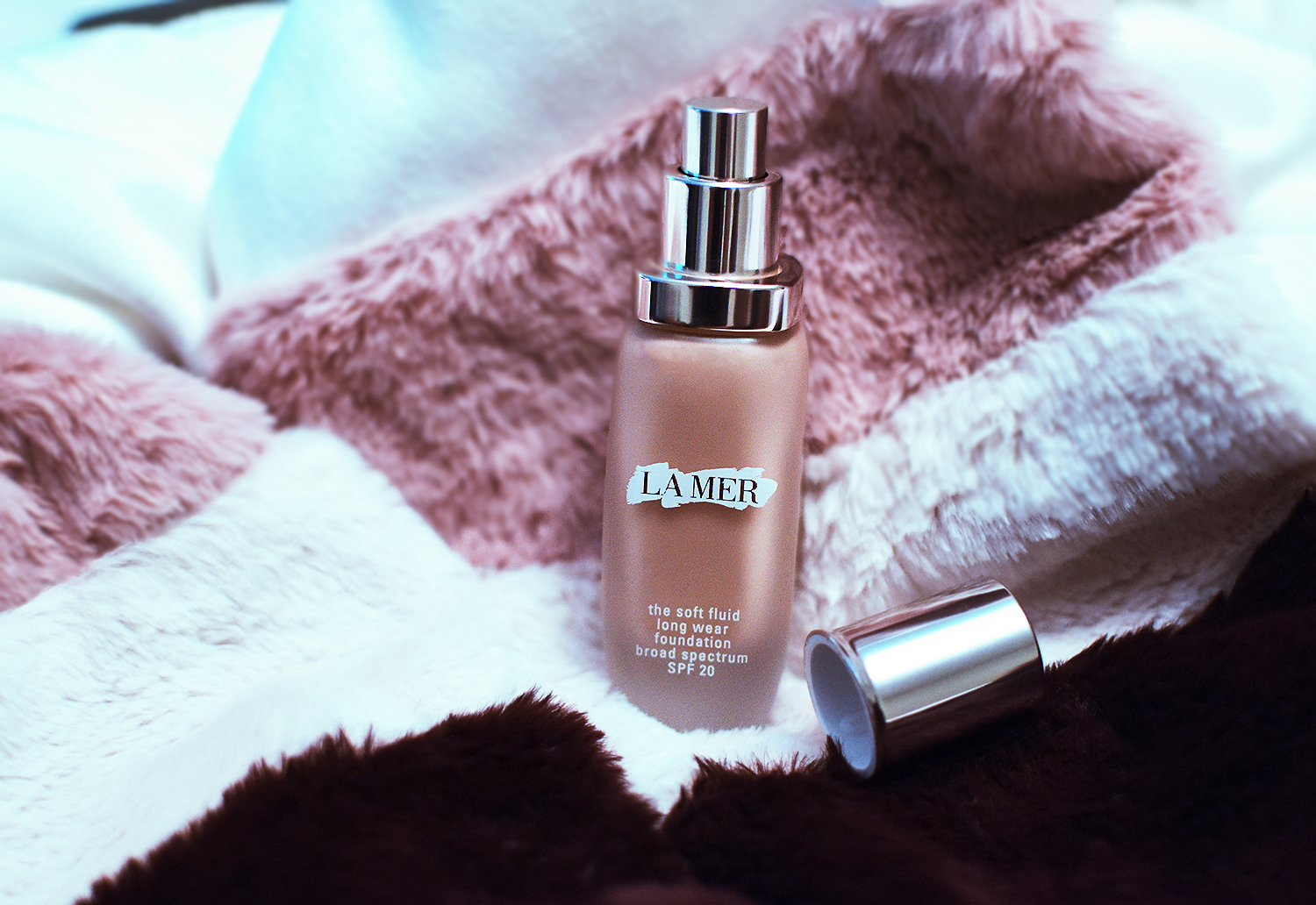 La Mer The Soft Fluid Long Wear Foundation SPF20 review on Nina's Style Blog