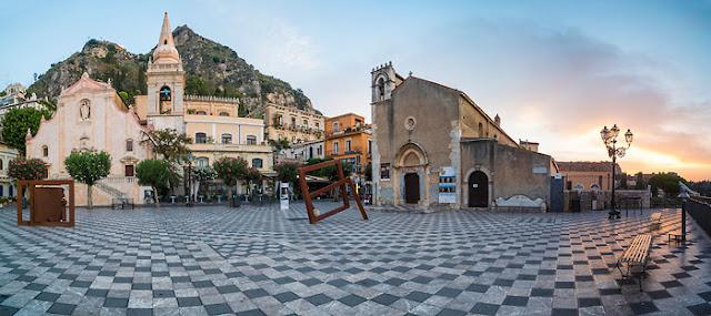Piazza IX Áprile em Taormina
