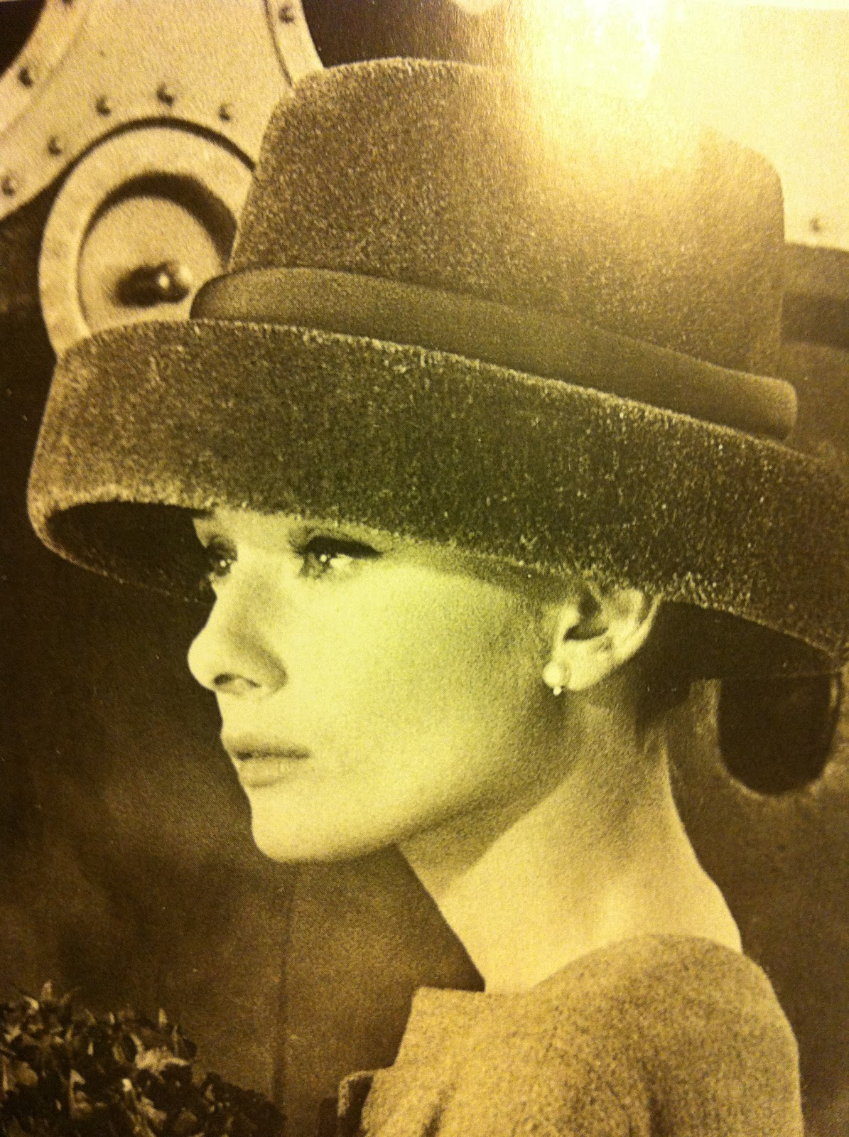 Audrey Hepburn Cappello Roses Everywhere Vintage Hairstyle From 1940 50