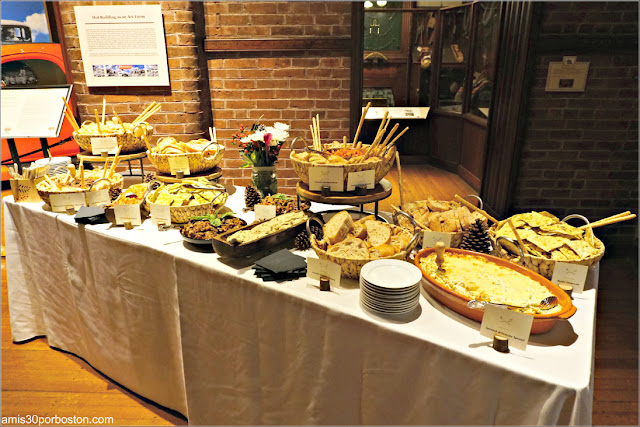 Aperitivos de la Cena de Empresa Navideña en el Museo Larz Anderson