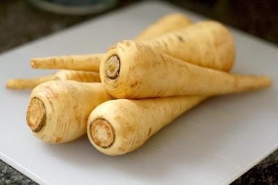 https://www.etsy.com/listing/128294940/2g-approx-800-parsnip-seeds-halblange?ref=favs_view_4