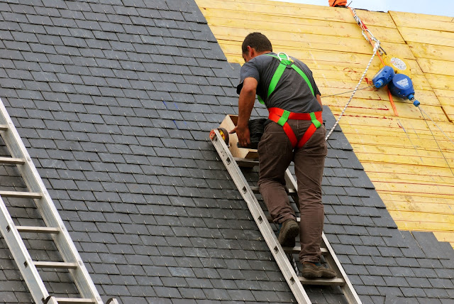 What Roofing Issues Make You Call for a Contractor?