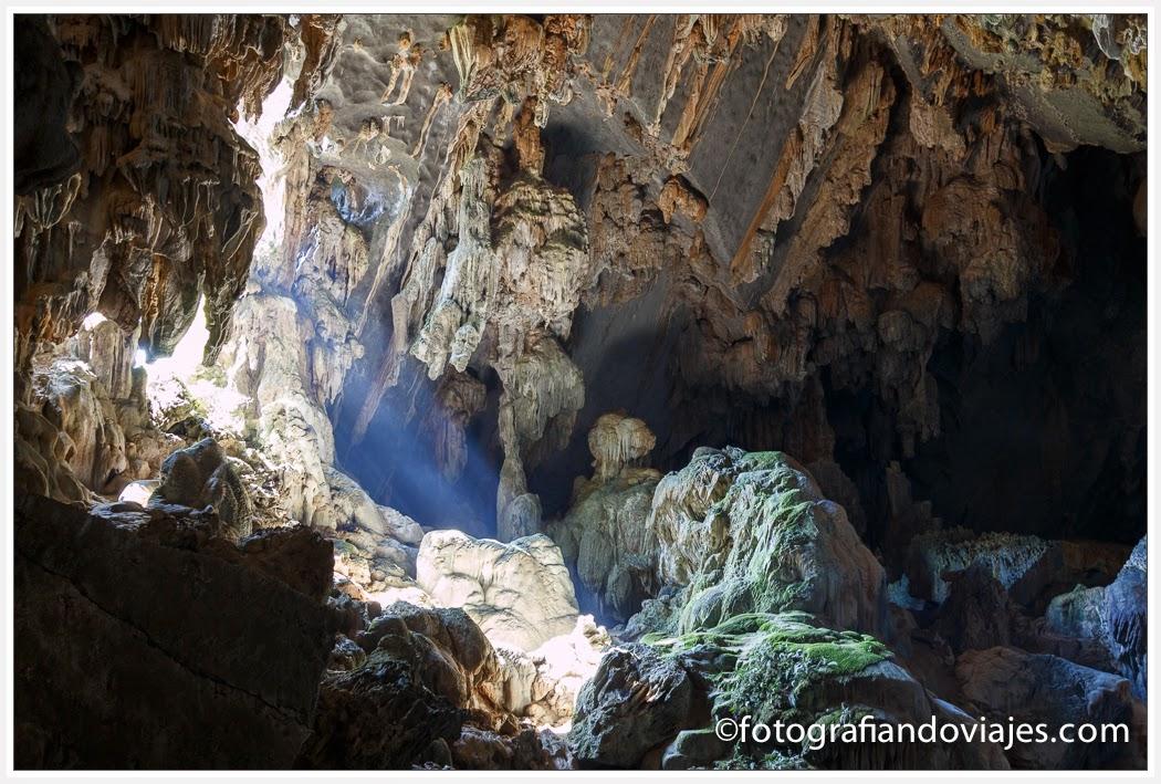 Cueva de Tham Phu Kham, laguna azul, Vang Vieng en Laos