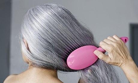 الطريقة التي اعطيتها للعائلة بأكملها لعلاج شيب الشعر نهائيا وللابد في اقل من ساعة بدون اي صيغة وبمكو