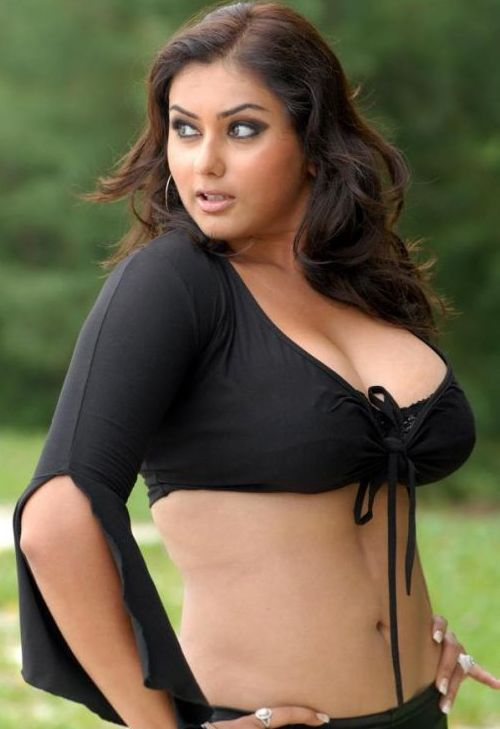 Tamil%2BActress%2BNamitha%2BHot%2BWallpapers13