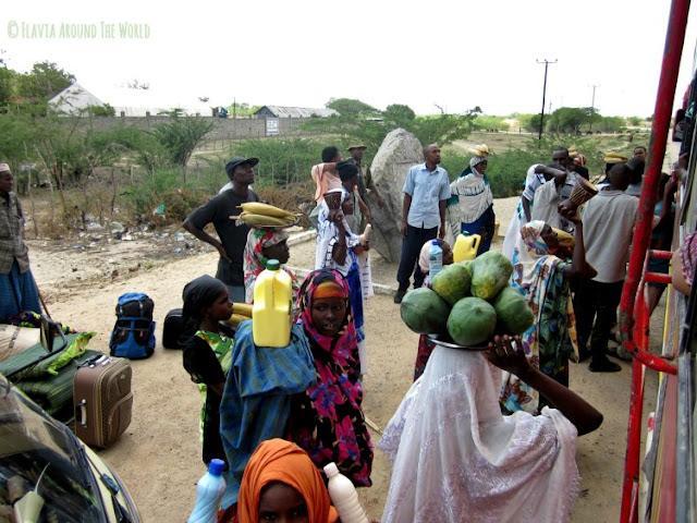 Mujeres keniatas vendiendo