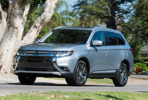 2017 Mitsubishi Outlander V-6 AWD Review