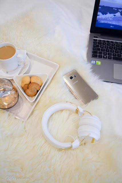 Sudio Regent langattomat on-ear kuulokkeet samsung asus kahvi aamukahvi bloggaaja
