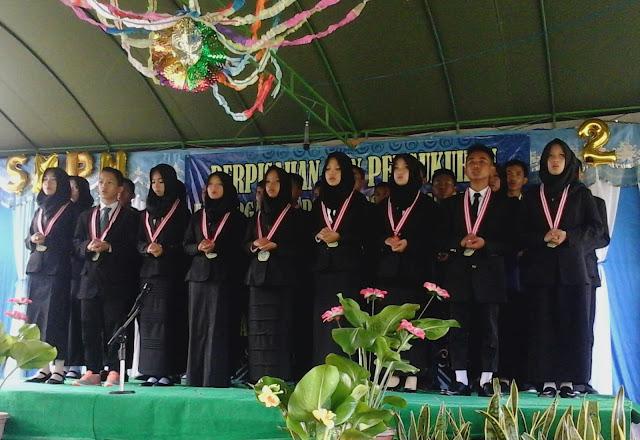 Alumni SMPN 2 Muara Uya Tahun 2017