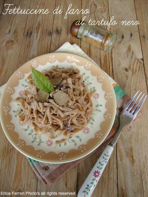 Ricetta fettuccine di farro al tartufo nero