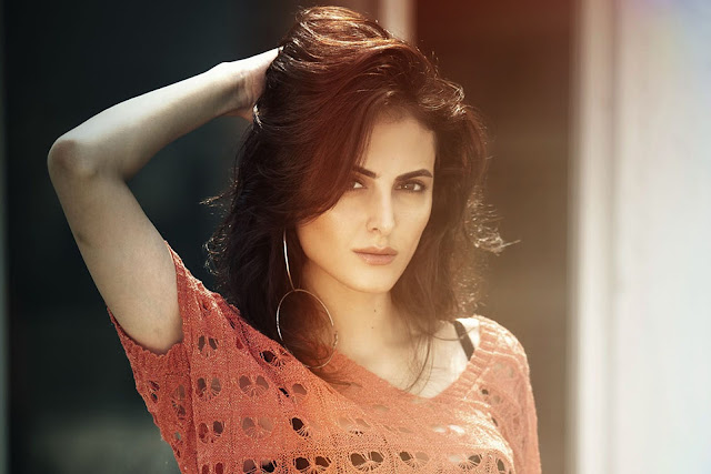 Mandana Karimi Hot Sexy Photos